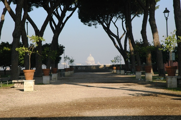 Tra rose chiese e giardini laboratorio roma - Giardino degli aranci frattamaggiore ...
